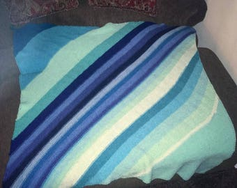 Beach waves Blue Striped Blanket