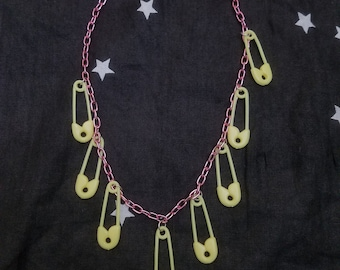 SAFETY PIN Punk Pastel Goth Necklace Pink Yellow