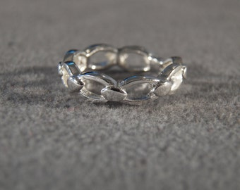 Vintage Sterling Silver Band Style Ring Formed from Chain Links, size 7        M