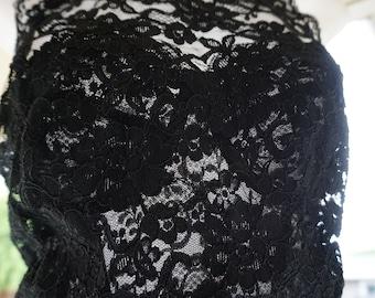 Vintage 90s 1990s lace black halter tank top size small 34 c busier 34c made by Victoria's Secret lingerie