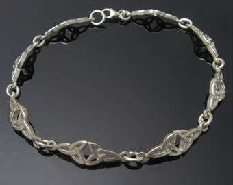 Tiny Double Trinity Knot Bracelet -  Celtic Bracelet - Sterling Silver Trinity Knot Bracelet - Irish Jewelry - Free Shipping
