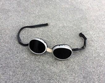 Agog -- Vintage set of alumnum goggles with glass lenses
