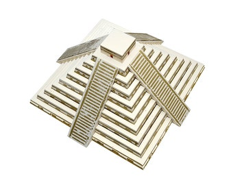 Mayan Pyramid, assembled model with printed steps in gold color || great for interior decoration or as a centerpiece