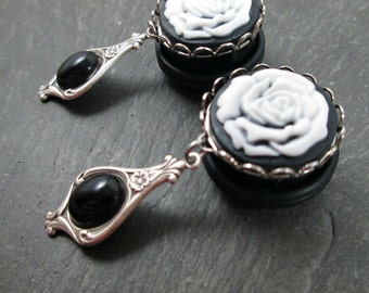 "Victorian Dangle Plugs - 3/4"" 19mm - White Rose Plugs - Cameo Gauges - Wedding Plugs - Rose Cameo - Dangle Gauges - Plug Earrings"
