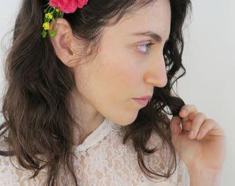Decorative comb, Floral arrangement headpiece for bride or bridesmaids, Rustic wedding, Boho wedding accessory, Country wedding.