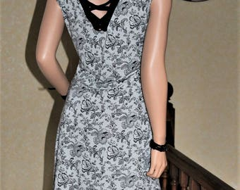 Lace dress sleeveless with lace back 100% made in France