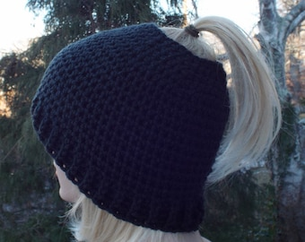 Womens Messy Bun Hat, Black Crochet Hat, Ponytail Beanie, Winter Hat, Ski Hat, Winter Accessories, Messy Bun Beanie