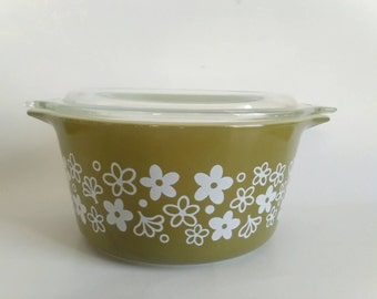 Pyrex Spring Blossom Green Covered Casserole Dish #473