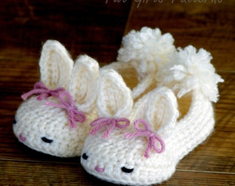 Crochet patterns baby booties Classic Year-Round Bunny House Slippers  - Pattern number 204 Instant Download  kc550