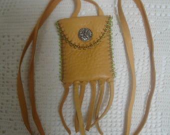 Beaded deerhide amulet pouch