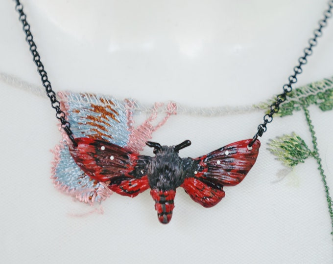 Moth Necklace-Red 4.5 cm