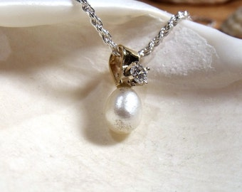 14K Gold and Pearl Pendant with Diamond  RF131
