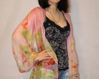 Kimono made of light soft chiffon in pink with floral pattern