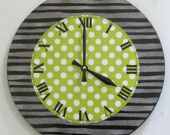 Wall clock. Unique clock. Art clock. Modern clock. Funky clock. Vinyl clock.