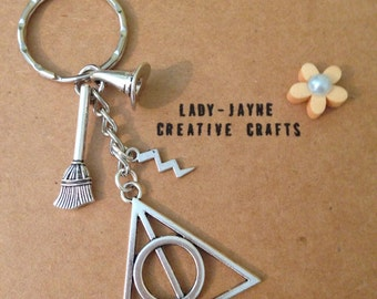 Harry potter keyring! The perfect gift for a potter fan. The deathly hallows. I love harry potter!