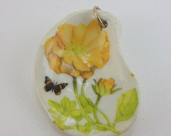 shell decoupage pendant necklace flower butterfly 70s nature jewelry Oyster shell crafts