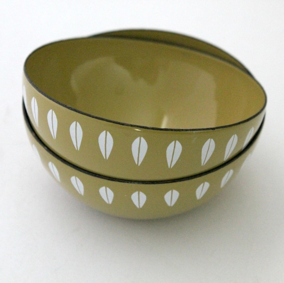 Vintage Enamel Lotus Bowls by Cathrineholm Set of Two Made in Norway