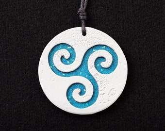 Triskelion pendant - minimalist moon