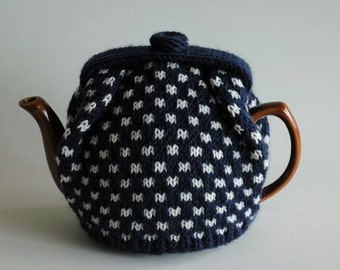 Knitted tea cosy / pure wool / navy with cream spots / medium size