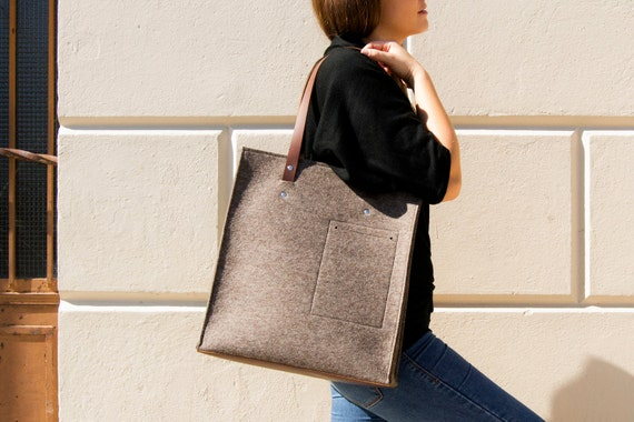 Felt TOTE BAG with leather straps / 100% wool felt / grey felt / grey bag / felt bag / wool felt bag / handmade / made in Italy