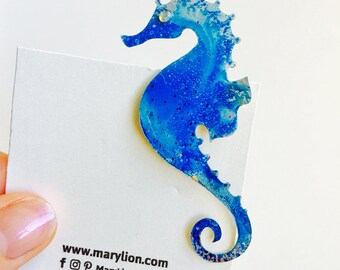 Seahorse pin - Nautical jewelry - Nautical brooch - Beach pin - Beach wedding - Gift for her - Fashion seahorse brooch - Colorful pin