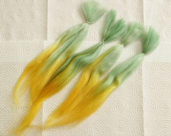 """Short Suri Alpaca Doll Hair dyed and combed locks, green and yellow Batik, about 5-8"""", for reroot and BJD doll wigmaking,"""