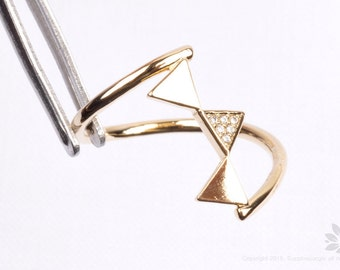 R007-G// Gold Plated Triple Triangle Ring (US 6.5)