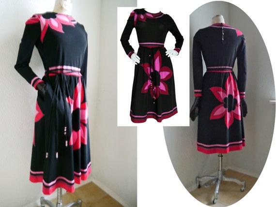 Dress dress 1970s French back 2 Vintage LOUIS Vintage Floral Print Dress Paris Color FÉRAUD Pink Piece belted white chic Designer 8twSEqSnB