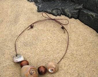Seashell Statement Necklace in Chestnut