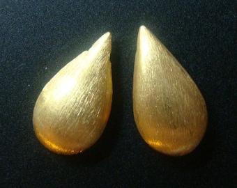 1 pc, 18x9x5.5 mm Gold Vermeil Sterling Silver Brushed Teardrop Briolette