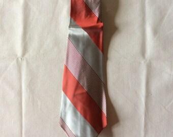 1940s Vintage Arrow Tie