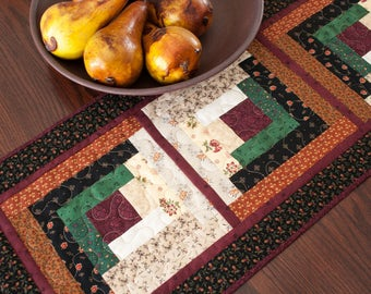 Log Cabin Quilted Table Runner Black