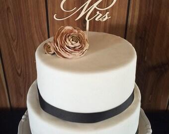 Wooden Mr. & Mrs. Cake Topper
