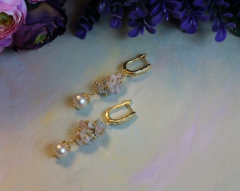 Earrings with beryl and pearls, gold-plated