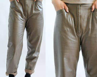 town and country -- vintage 80's leather pants M