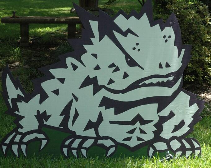 4 ft tall handpainted, handcrafted TCU Horned Frog yard art tcu decor