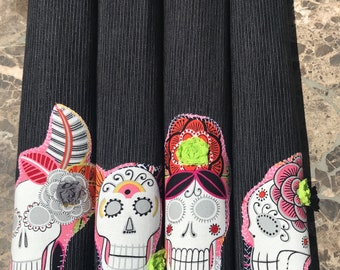 JARDIN de Muertos PLACEMATS Set of Four Black