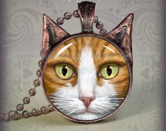 OW4 Orange Tabby Cat pendant