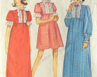Sewing Pattern, Nightgown pattern, Vintage Sewing Pattern, Nightdress,  Misses Size Small