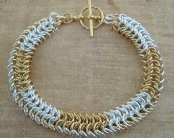 Serpentine Chainmaille Bracelet