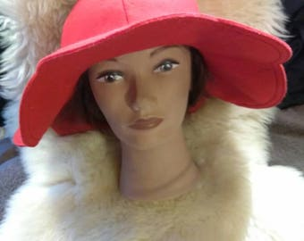 Vintage 1960s Betmar NYC Paris Ladies Floppy Wide Brim Red Wool Hat