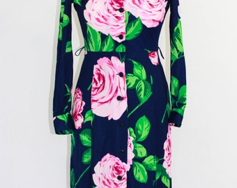 Super feminine Vintage floral Dress in  Rose and Navy-late 70's