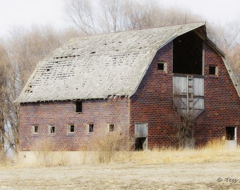 Rustic Barn Photography - Old Barn Photo - Iowa Barn - Barn Photography - Farm Photography - Country Barn -