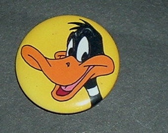 DAFFY DUCK Pin Back  - (New)