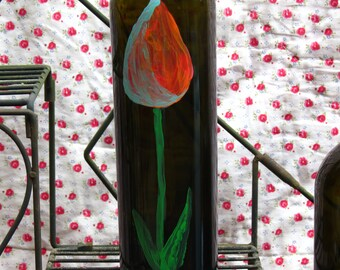 Tulip wine vase