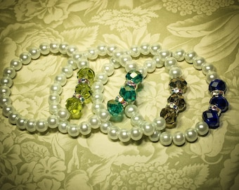 Bridesmaid Braceet -- White Pearls and  Crystals -- Bridesmaids, Maid of Honor, Flower girls