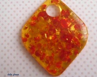 Resin diamond amber 8 cm pendant