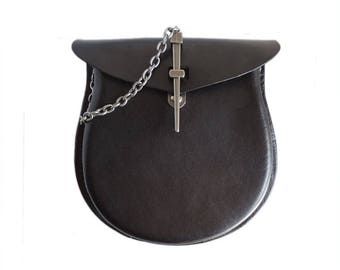 Black Leather Sporran with Pin Latch