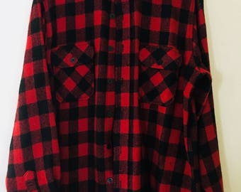 Vintage Outdoor Exchange Red Black Wool Shirt Size Large 15-15 1/2