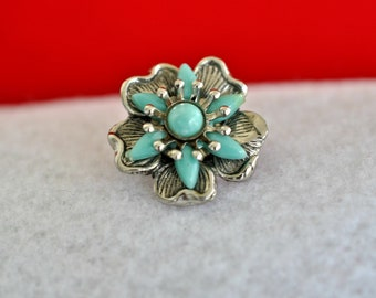 Vintage Small Turquoise Colored Flower Brooch, Silver Tone, Small Brooch, Silver Brooch, Small Pin, Lapel Pin, Blue Brooch, Tiny Pin 18-155